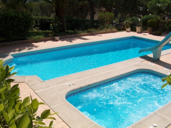 Qual a melhor constru o bet o prefabricada fibra liner for Medidas de piscinas